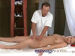 massage rooms expert lover gives incredible orgasm playing with clitoris