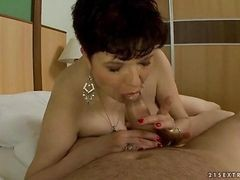 Chubby Granny Giving Blowjob And Getting Fucked