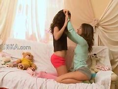 Horny Lesbo Teens From Usa Kissing