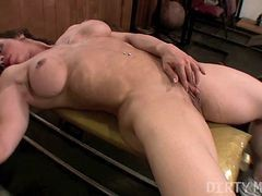 Alexis - Dirtymuscle - Big Clit