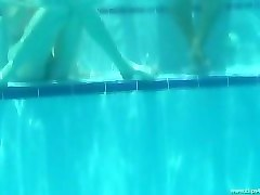 underwater pool games