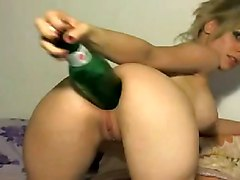 Hot Amateur Stuffing Her Ass With Dutch Beer Bottle
